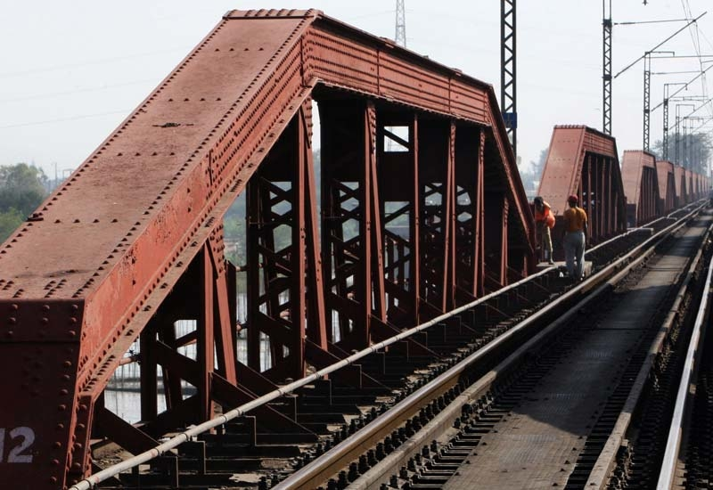 ON TRACK: The engineering contract for the UAE railway project will be awarded in Q1 2010