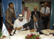 Snasco chairman Saleh Sorayai with Family Housing Develpment GM Sameer Al Tawaa.