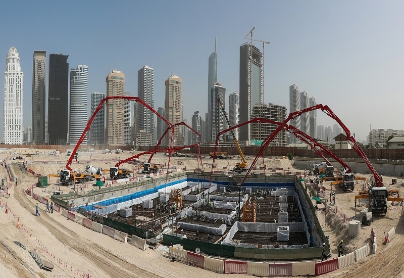 The supertall tower's raft foundation, comprising of 2,500 tonnes of steel and over 12,000m3 of concrete, was poured over a continuous 46-hour operation.