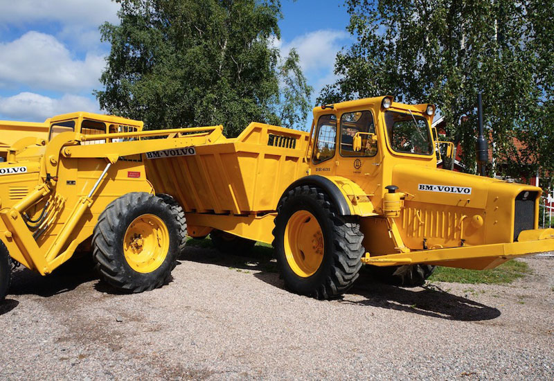 The 1966 Volvo DR 631, or 'Gravel Charlie', the first articulated dump truck, at the Munktell Museum in Eskilstuna, Sweden.