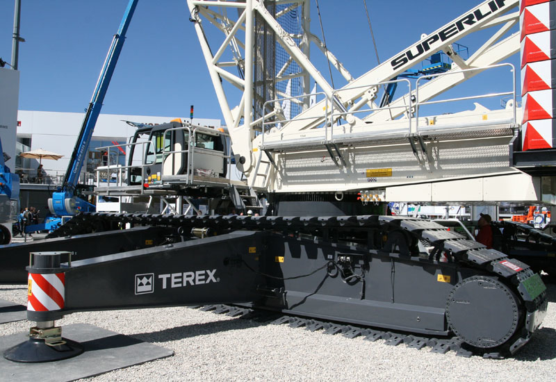 Pictured here is the Terex-Superlift-3800. American equipment giant Terex expects foreign exchange headwinds in the year ahead.