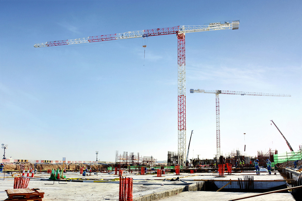 Two of Raimondi's MRT294 topless tower cranes have been deployed on the construction site of Aldar's Water's Edge homes on Yas Island, Abu Dhabi.