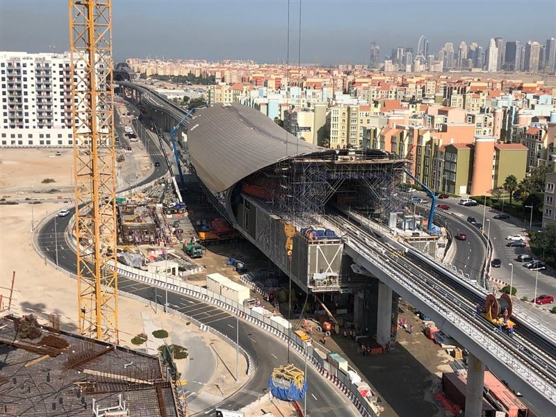 Serco was awarded the O&M extension contract for Dubai Metro's Route 2020.