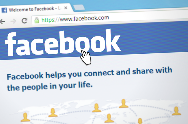 Facebook, WhatsApp, and Instagram are experiencing outages.