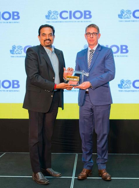 Atkins Global's Bijoy Varma picked up a CW Oman Awards trophy.