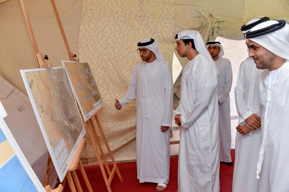 HH Sheikh Mansour inspected the UAE road projects.