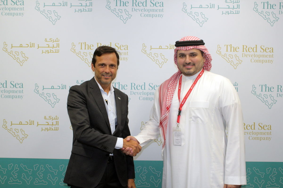 TRSDC CEO John Pagano (left) and Saudi Amana general manager Hattan Nazer.