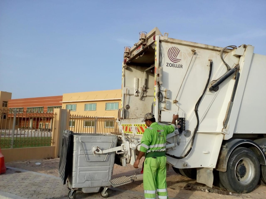 Tadweer conducts pest control programme at construction sites