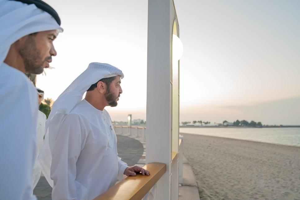 Sheikh Hamdan inspected the Mirfa Beach.