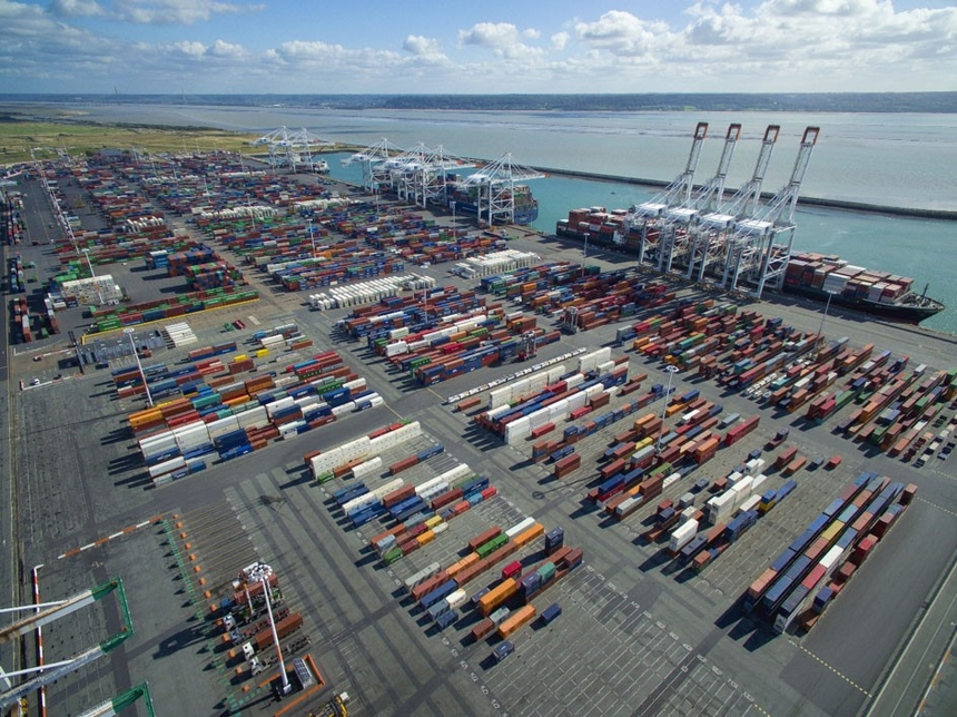 DP World's JV wins construction concession for berths at France's Port 2000