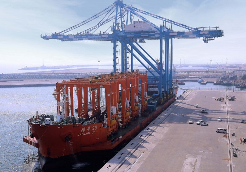 The cranes are supplied by Shanghai Zhenhua Heavy Industries.