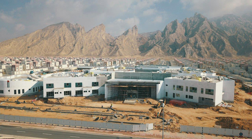 The school is located in northern part of Jebel Hafeet in Al Ain.