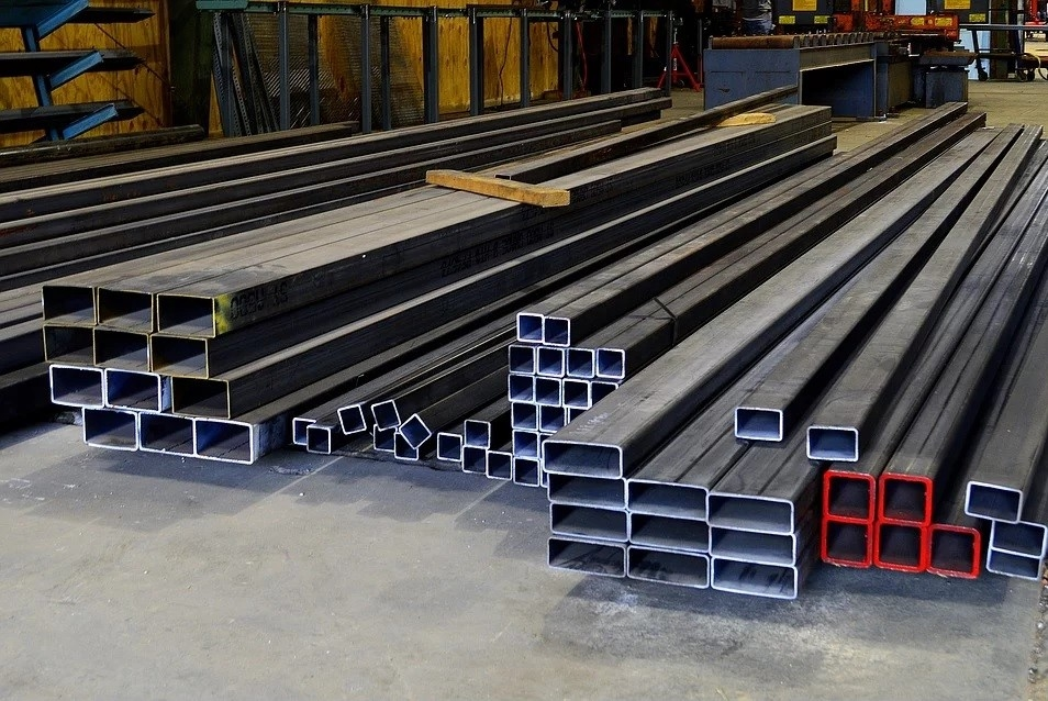 CSCEC received the scheduled supply of 3,094.4 tonnes of structural steel components [representational]