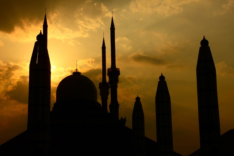 Each mosque will accommodate between 400 and 500 worshippers. [representational]
