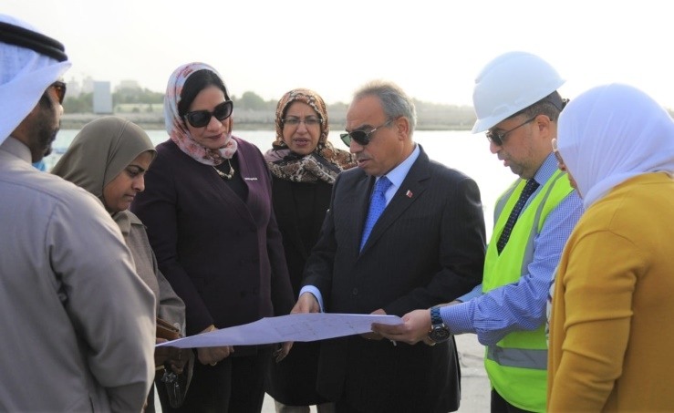 Bahrain Works Minister inspects 10% completion of Duraz jetty project