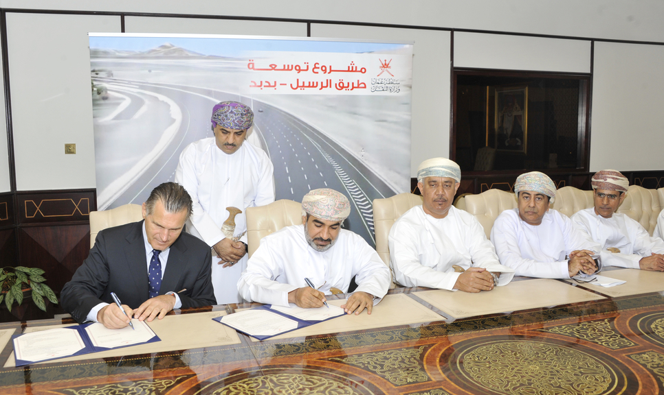 The projects come in line with the ministry's framework of increasing the efficiency of roads in the Sultanate.