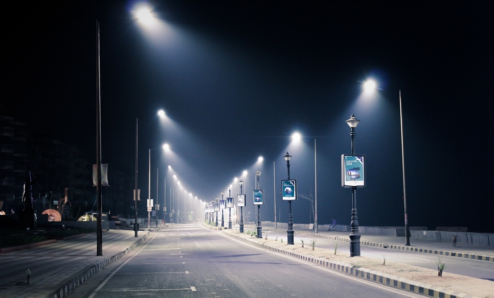 Abu Dhabi's DMT awards Tatweer contract to replace 43,000 streetlights [representative image]
