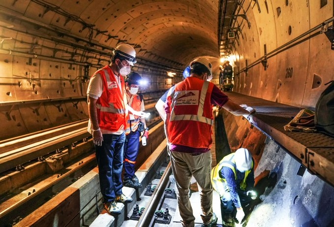 RTA teams carried out key maintenance activities of some parts of the metro railways.
