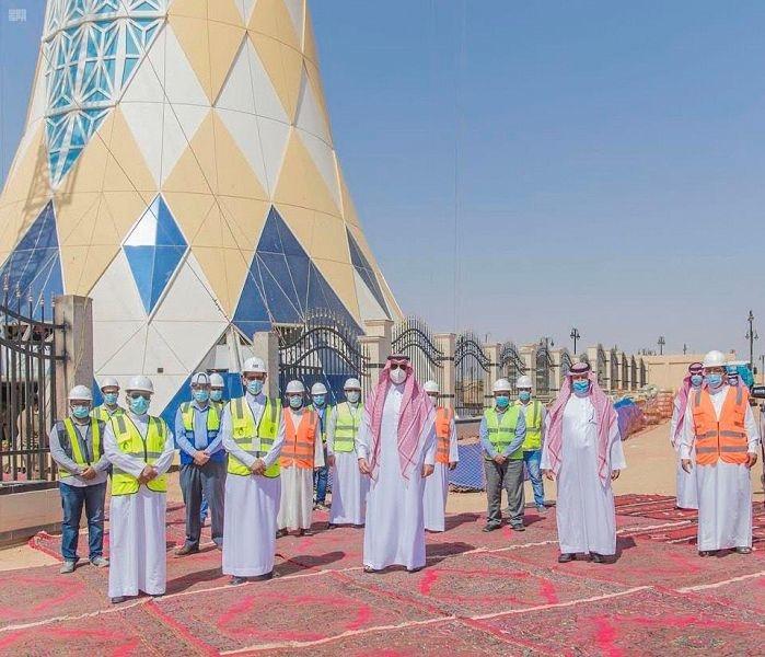 Saudi's Prince Faisal inspects Ar'ar Water Tower project