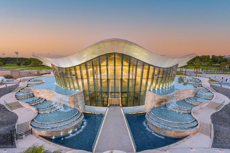 Deep Dive Dubai este cea mai adâncă piscină de scufundări din lume.