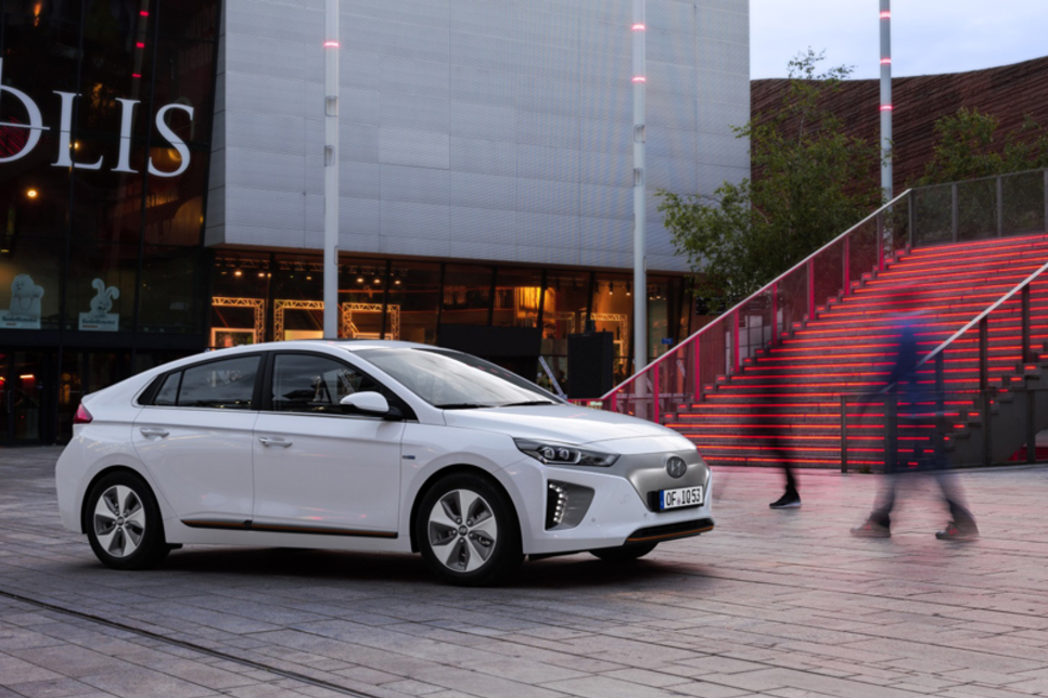 Hyundai pressures property sector to add charging stations