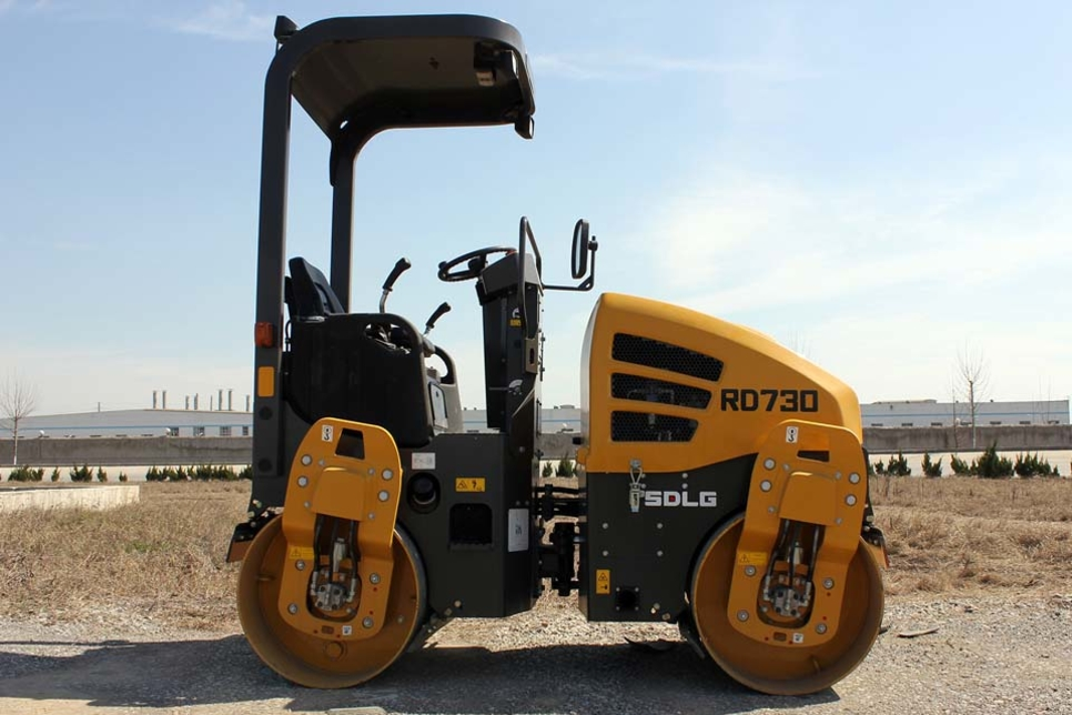 SDLG unveils first asphalt compactor for Middle East and Africa