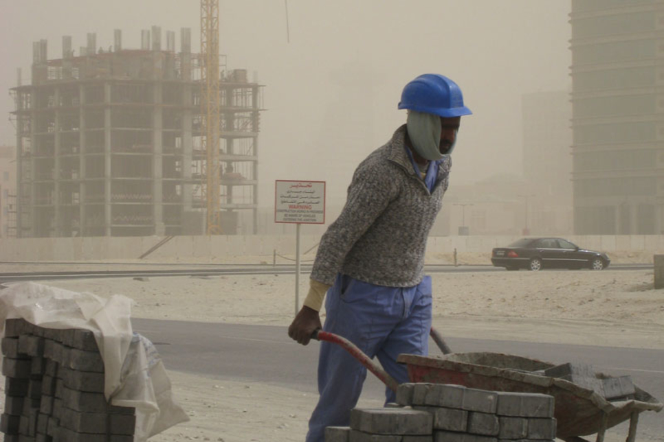 UAE contractors share top tips to work during sandstorms