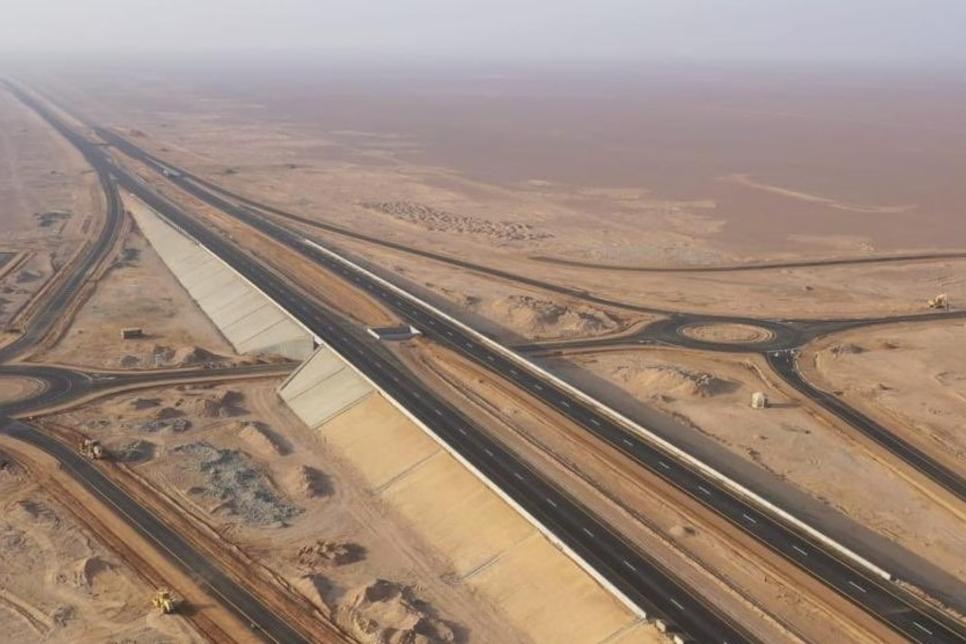 Oman awards contract for three parts of Adam-Haima-Thumrait road