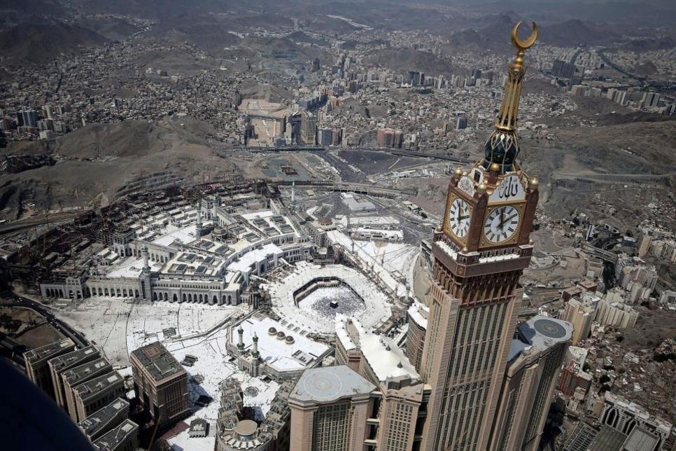 Rothschild, Moelis in line for Saudi Binladin Group's $15bn debt revamp