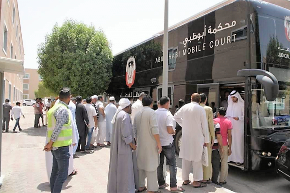 ADJD Mobile Court ends 320 workers' group dispute in Abu Dhabi