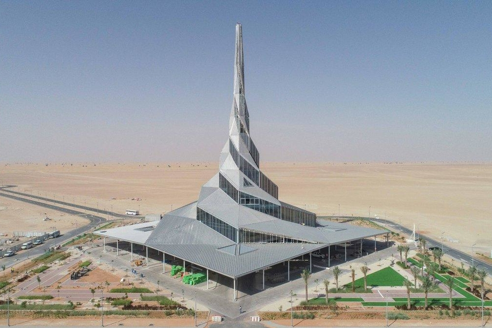 Emirates Insolaire's solar panels for Innovation Centre in MBR Solar Park